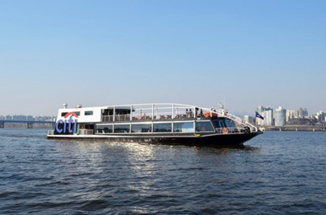 Hangang River Cruise (Yeouido) / USD 15