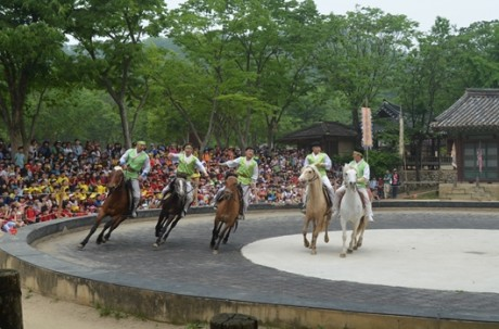 Korean Polk Village + Uiwang Railbike + Suwon Hwaseong Tour / USD 55